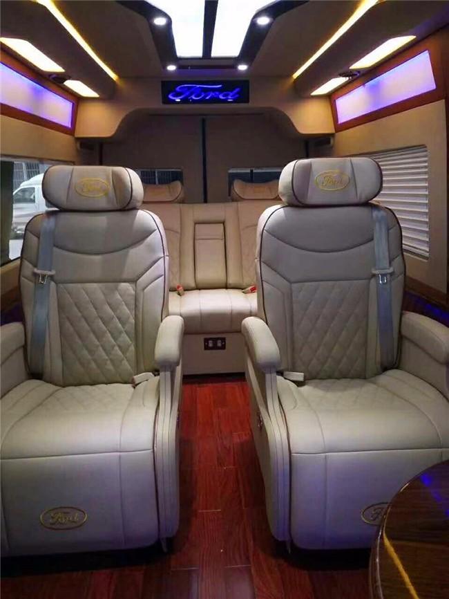 全新福特全顺改装内饰/航空座椅/柚木地板