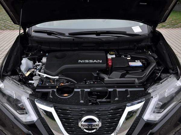 日产奇骏动力方面:2017款日产奇骏的发动机搭载的直四引擎排量达到了