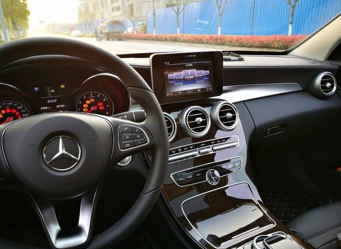 奔驰c200显示屏图解