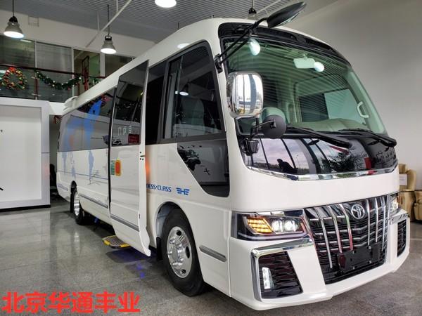 丰田考斯特6座房车 带床带卫生间版价格