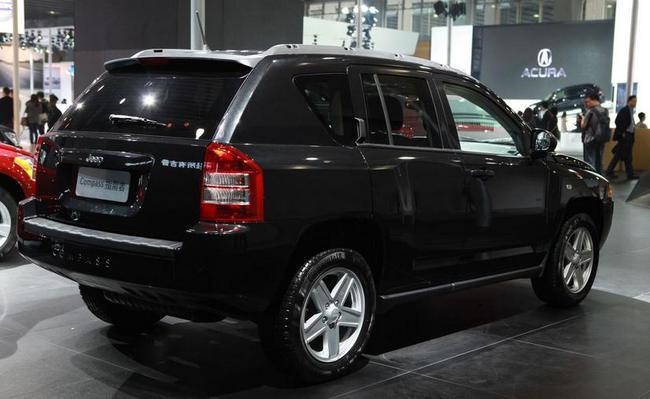 新款jeep指南者2.4l四驱多少钱2017年鸡年购车送保险