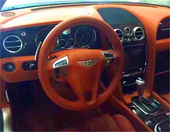 宾利飞驰车型因车厢的雅致而获得了良好的声誉.高雅的气质与 温馨高清图片
