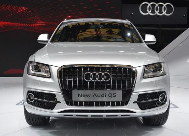 奥迪Q5最高优惠20万元,现车充足,颜色可选高清图片