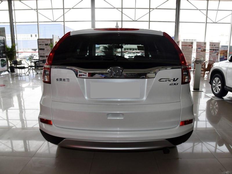 外观介绍】新款本田CRV车尾向外凸出的感觉在照片上比较明显,实