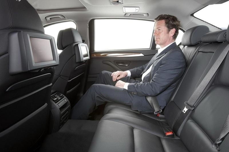 """让轿车和suv同价位之间的""""错位""""   2018款宝马530的内饰设计可以说是""""图片"""
